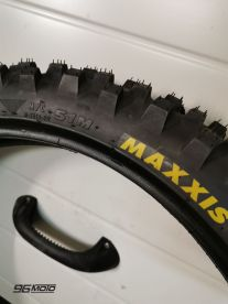 Maxis 80/100/21 '' front tire new with KTM EXC 2020